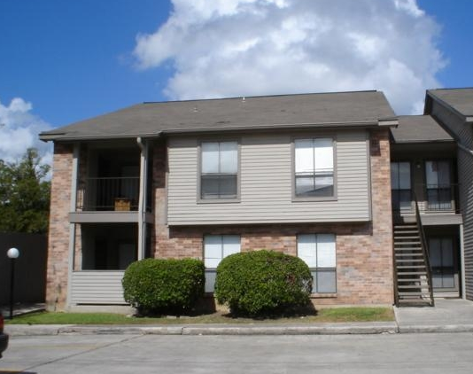 Village Green Apartments in San Marcos, Texas