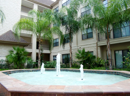 Courtyard View at these Houston Galleria Apartments