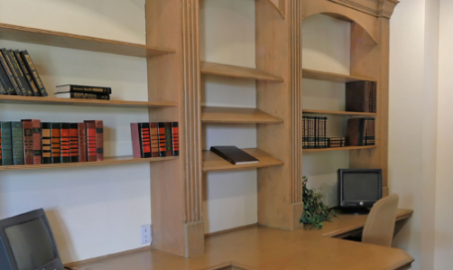 Bookshelves at Red Stone Ranch Apartments