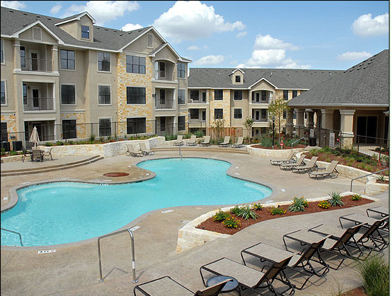 Sparkling Pool at Round Rock TX Apartments