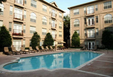 Deerwood Apartments Pool