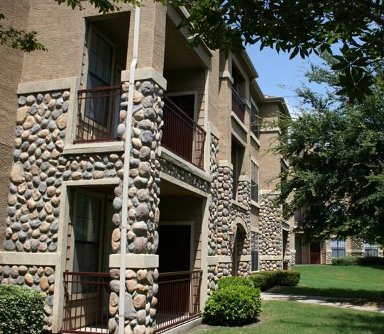 Frankford Springs Apartments Dallas TX