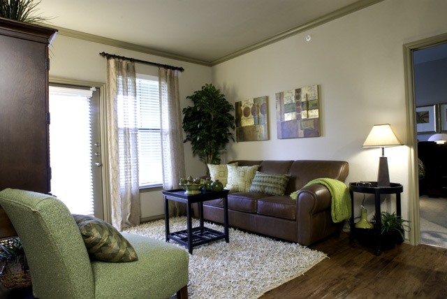 Photos of Lakeside Villas Apartments