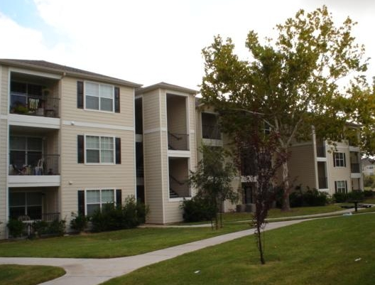 University Heights Apartments in San Marcos, TX