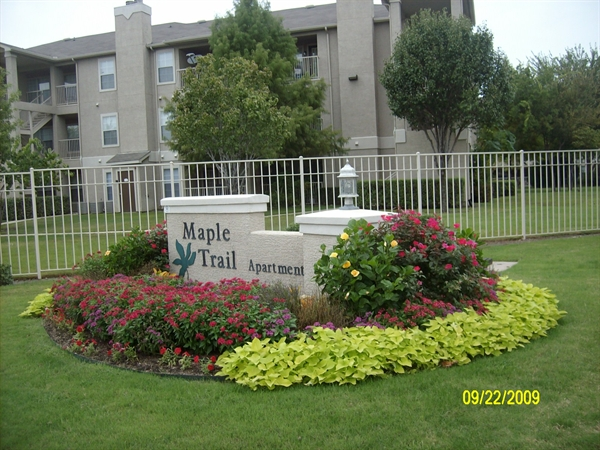 Photos of Maple Trail Apartments