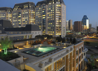 Rooftop Swimming Pool at Dallas High Rises