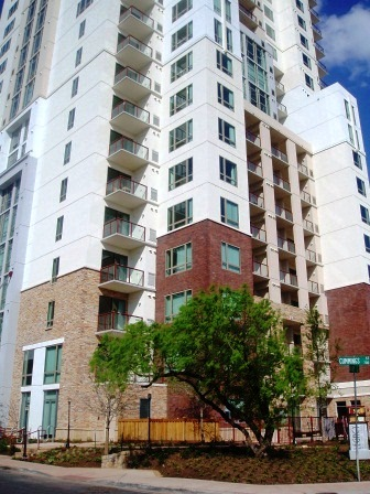 Luxury Austin Apartment High Rises - Windsor on the Lake