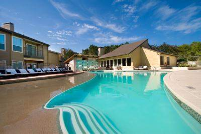 Barton Creek Landing Apartments Pool