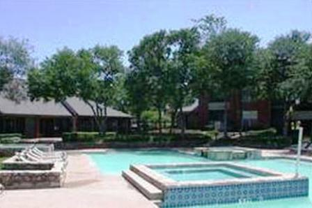 Sparkling Pool at The Trails Apartments in Arlington