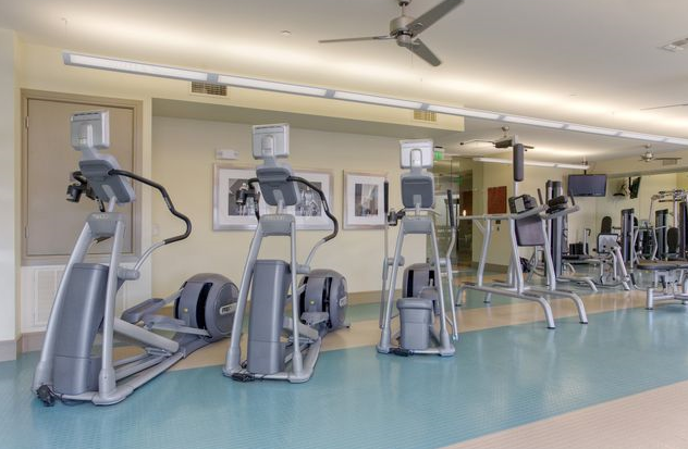 Medical Center Apartments Houston with Cardio Center