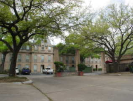 Chateaux Dijon Apartments in Houston Exterior