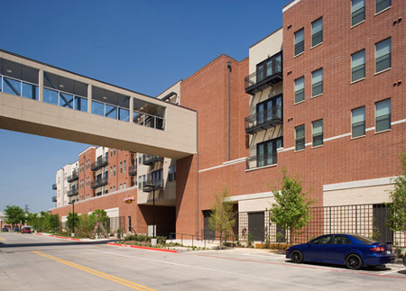 Broadstone Parkway Apartments Exterior