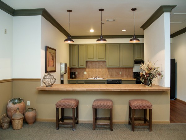 Kitchen Bar at Chandler Creek Apartments