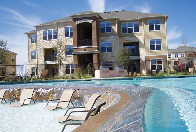 Round Rock, TX Apartments with Sparkling Pool