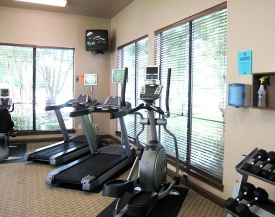 Fitness Center at Ventana Oaks Apartments