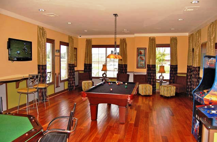 Resident Game Room at Alta Crossing Apartments in Houston