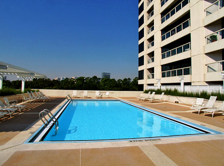 Rooftop Pool at Houston Medical Center Apartments