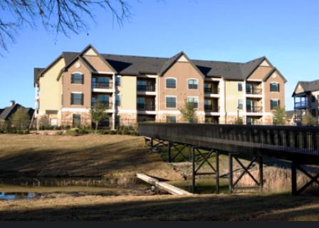 Verde Riverwalk Apartments Exterior