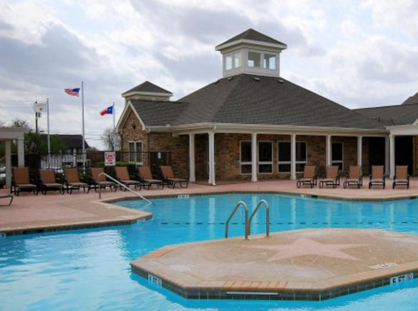 Exterior Pool View of these San Marcos TX Apartments