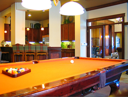 Katy Apartments with Pool Table