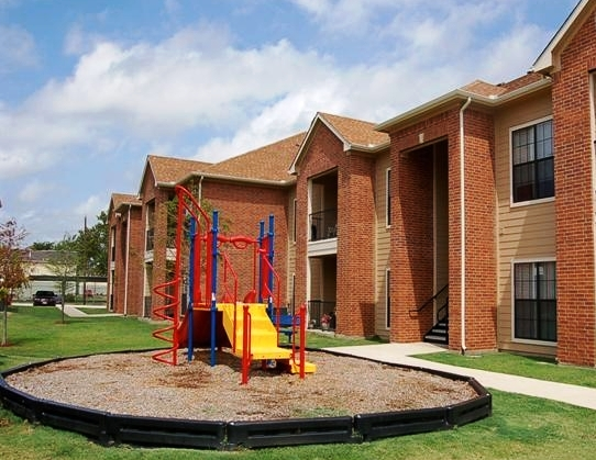Southeast Dallas Apartments - The Masters