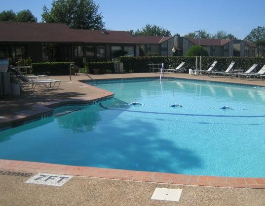 Cantebria Crossing Apartments Pool