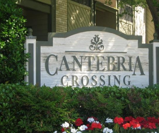Entrance to Cantebria Crossing Apartments