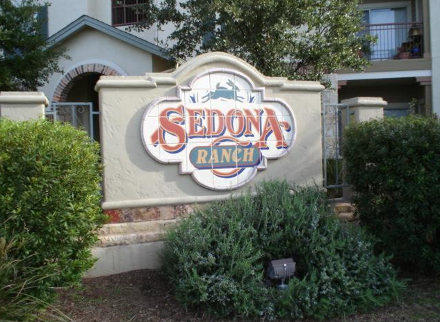 Exterior View of Sedona Ranch Apartments