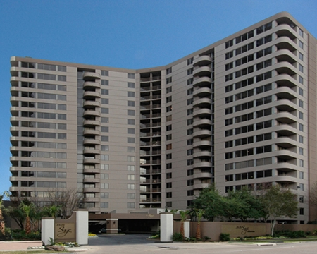Exterior View of Houston High Rise Apartments