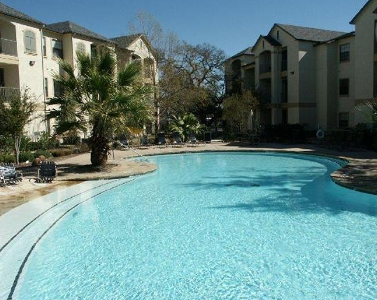 Sparkling Pool at Cedar Park Apartments