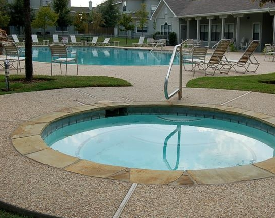 Sparkling Pool at these Dallas Lakewood Apartments