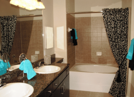 His and Hers Bathrooms at The Meritage Apartments