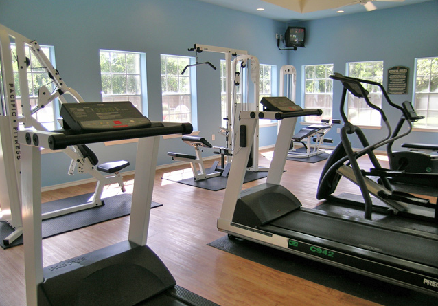 Fitness Center at Elm Hollow apartments in Helotes TX