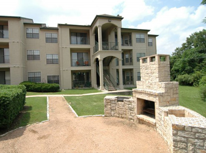 AMLI at Stonehollow Exterior