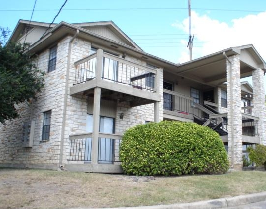 Exterior View of San Marcos TX Apartments