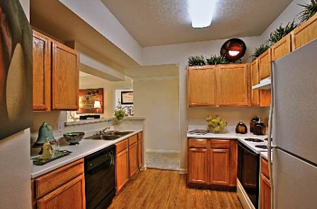 Gables Central Park Apartments Kitchen