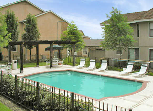 Highcrest Apartments in San Marcos, TX