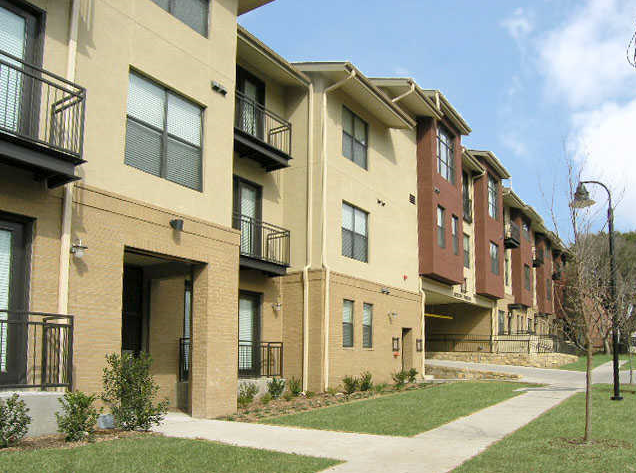 Exterior View of Vue Greenville Apartments