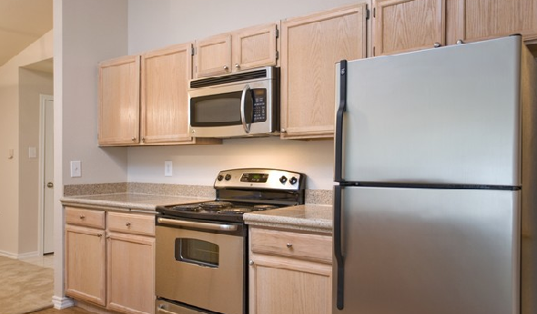 Modern Kitchen Appliances at Austin Arboretum Apartments