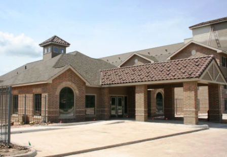 Exterior View of Gardens at Friendswood Lakes Apartments