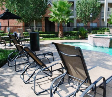 Lounge at the Pool at Spring Park Apartments
