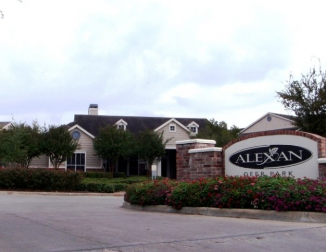 Photos of Alexan Deer Park Apartments