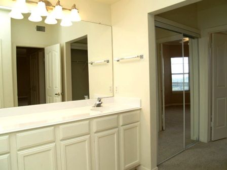 Somerset Townhomes Bathroom