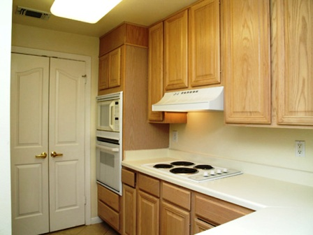 Kitchen at Somerset Townhomes