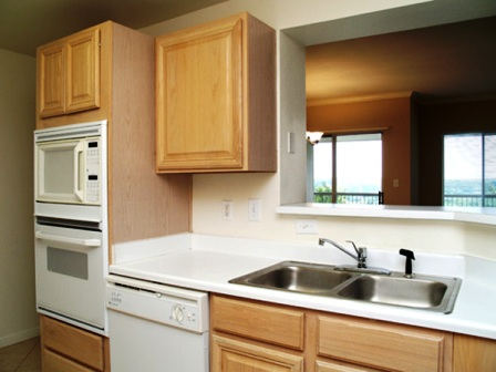 Somerset Townhomes Kitchen