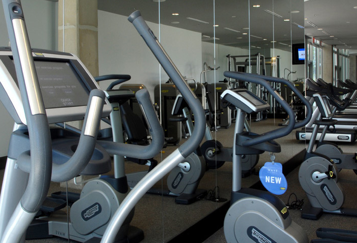 Fitness Center at Dallas High Rises