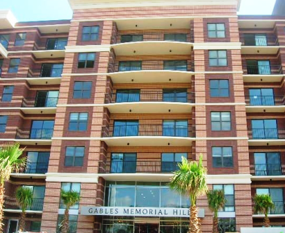 Frontal View of Gables Memorial Hills Apartments