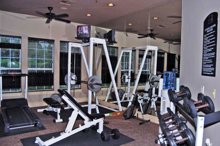 Fitness Center at Harbors Cove Apartments in Kingwood