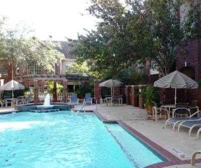 The Belmont in Houston Pool Area