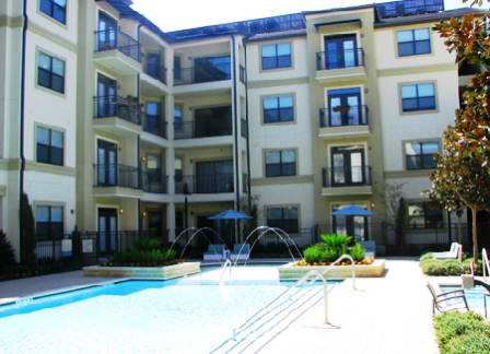 15777 Quorum Apartments Pool Area